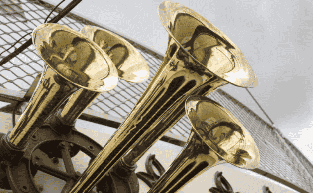 Horns on the Murray Princess
